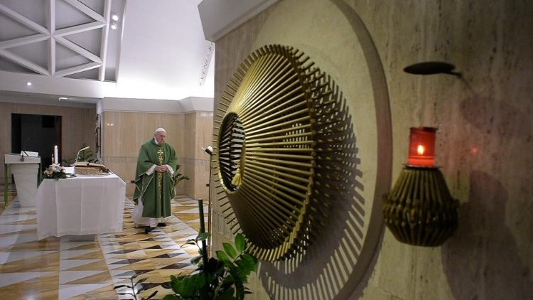 Pope at Mass: the little prayer that moves God - Vatican News