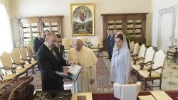 Pope Francis and President Ilham Aliyev of Azerbaijan in the Vatican