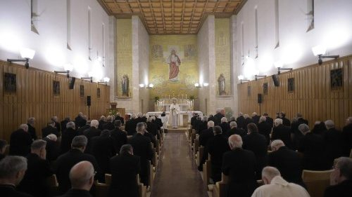 Pope invites Curia to organize private Lenten Spiritual Exercises