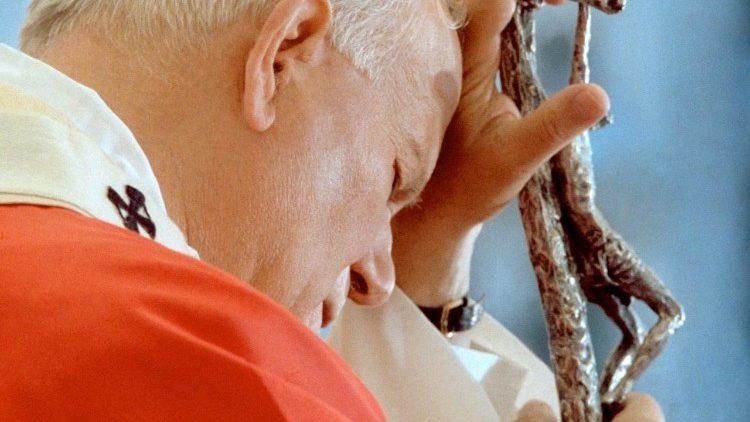 João Paulo II com o Crucifixo