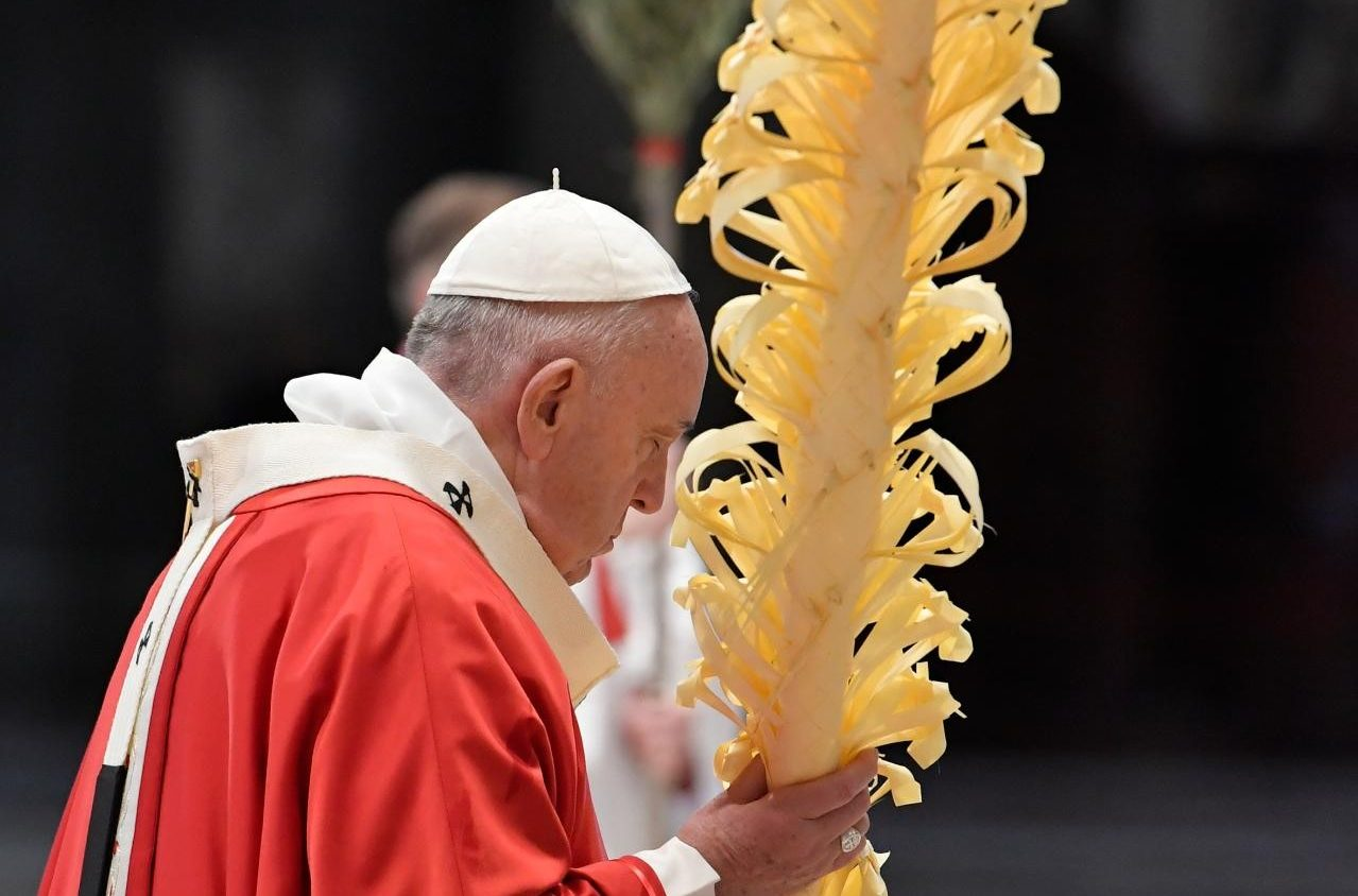 Pope on Palm Sunday: love and service during Covid-19 - Vatican News