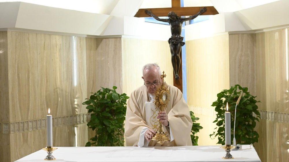 Frühmesse: Papst ruft zum Nachdenken über die Zeit nach ...