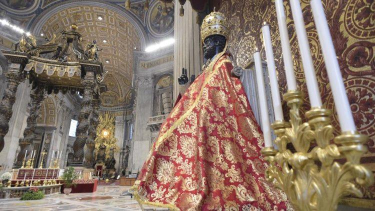 Lors de la messe du 29 juin 2020 dans la basilique Saint-Pierre.