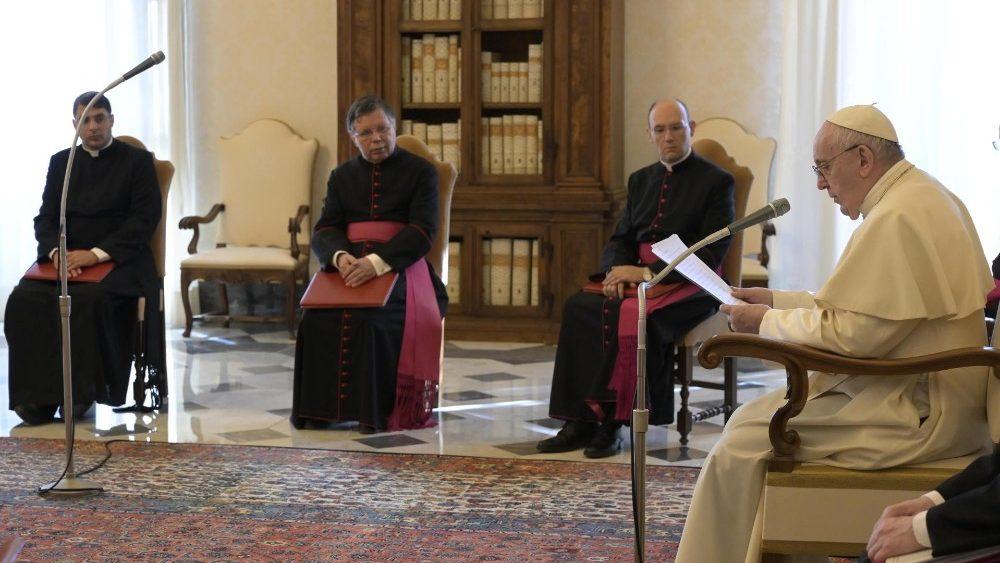 La Audiencia General del Papa será transmitida nuevamente desde la Biblioteca Apostólica del Vaticano.
