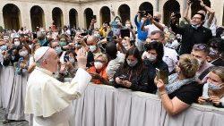 教宗主持周三公开接见活动