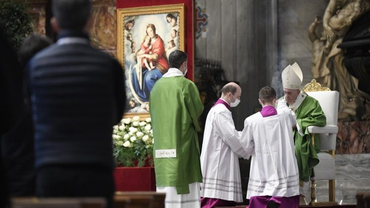 Pope Francis celebrates Mass on the World Day of the Poor