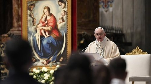 Pope Francis preaches the homily at the Mass for the Solemnity of Christ the King