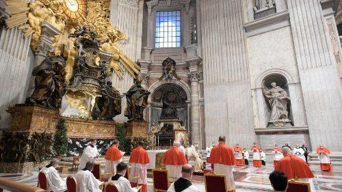 پاپ به کاردینال های جدید: صلیب و جهان ، دو مسیر آشتی ناپذیر