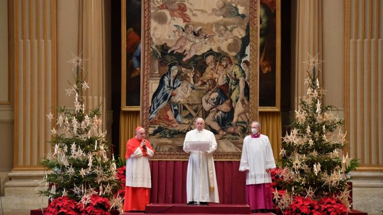 Pope Francis delivers his Christmas Message and gives the Urbi et Orbi Blessing from the Hall of Benedictions in St Peter's Basilica.
