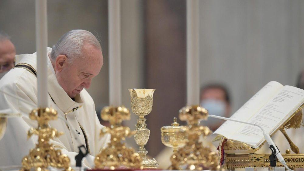 """""""A Palavra de Deus para nós é uma pessoa: Jesus Cristo"""", afirma Pe. Antonio Hofmeister."""
