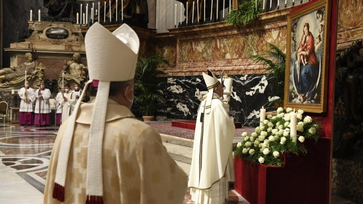 Pope Francis presides at Mass on the Day of Prayer for Consecrated Life