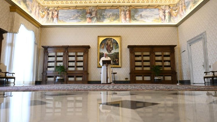 Pope Francis in the Apostolic LIbrary, from where he recited the Regina Coeli
