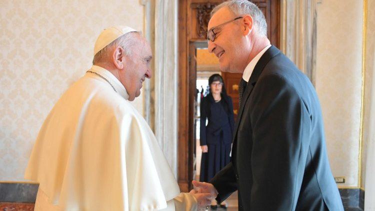 Le Pape François et le président suisse Guy Parmelin, le 6 mai 2021
