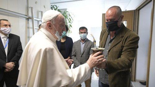 El Papa visita Radio Vaticano - Vatican News: