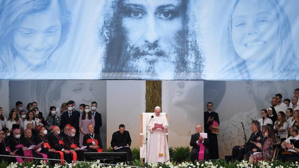 Papa Francisco no Encontro com os Jovens no Estádio Lokomotiva, em Košice
