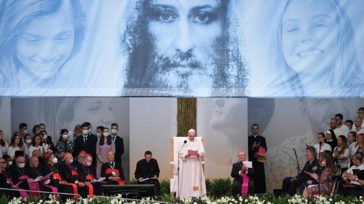 Le Pape rencontre les jeunes au stade de Kosice, le 14 septembre 2021.