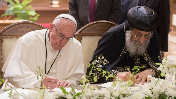Pope Francis and Pope Tawadros II during the Roman Pontiff's visit to Egypt, 13 May, 2017