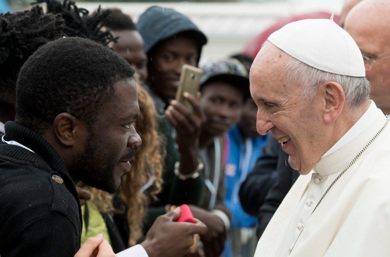 Quando il papa lav i piedi ai migranti di castelnuovo di for Planimetrie di 1500 piedi quadrati