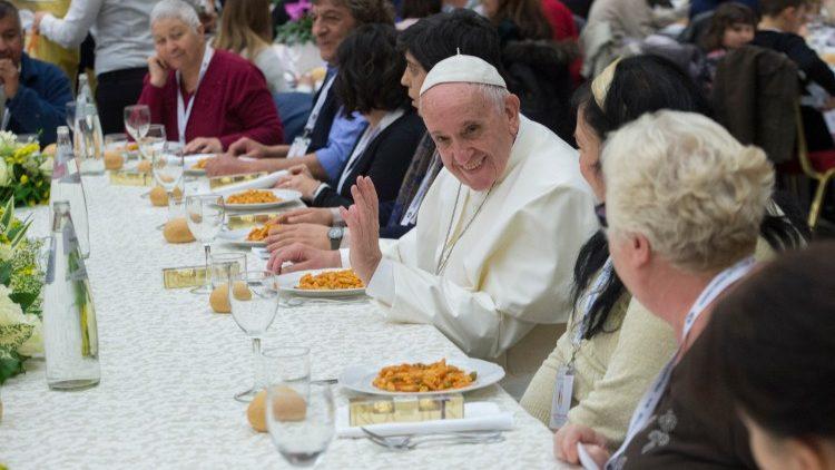 O almoço comunitário do Papa com os pobres em 2018