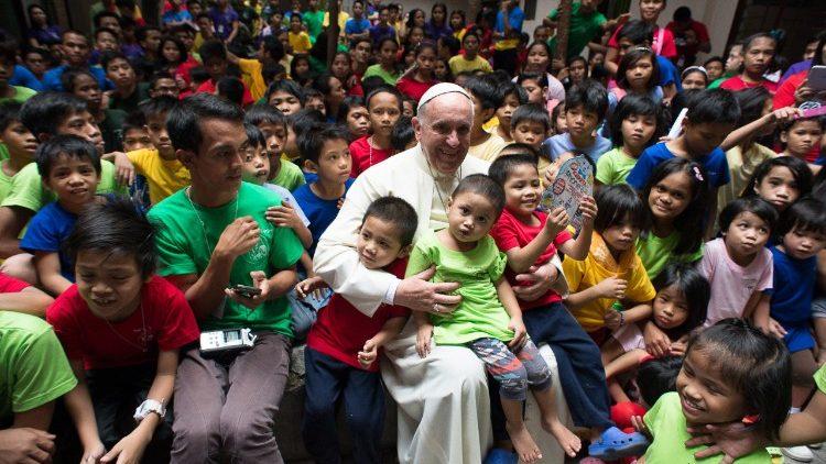 Giáo hội Philippines khai mạc Năm Giới trẻ