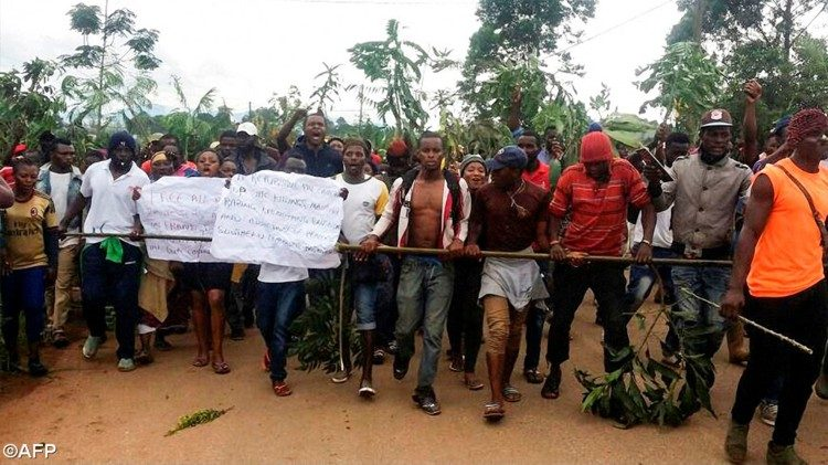 Protesters take to the streets in Bamenda