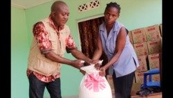 Caritas Belgium distributing food aid in the DRC's  Grand Kasai region