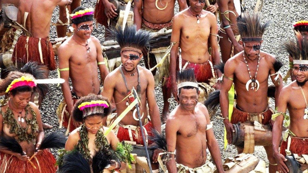 indigenas 1aem.jpg