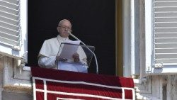Pope Francis speaking on behalf of the people of Yemen after the Sunday Angelus