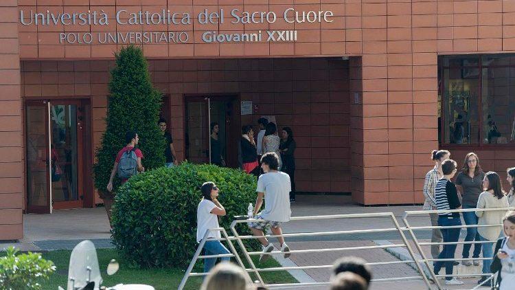 L'Università Cattolica a Roma (foto d'archivio)]