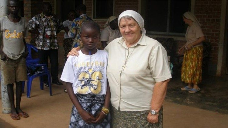 "Sister Maria Elena Berini, recipient of the 2018 ""Women of Courage"" international award"