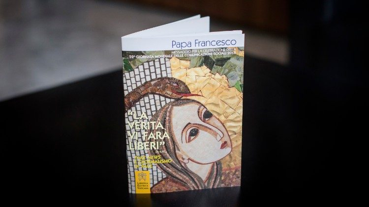 Booklet of Pope Francis' World Communications Day message