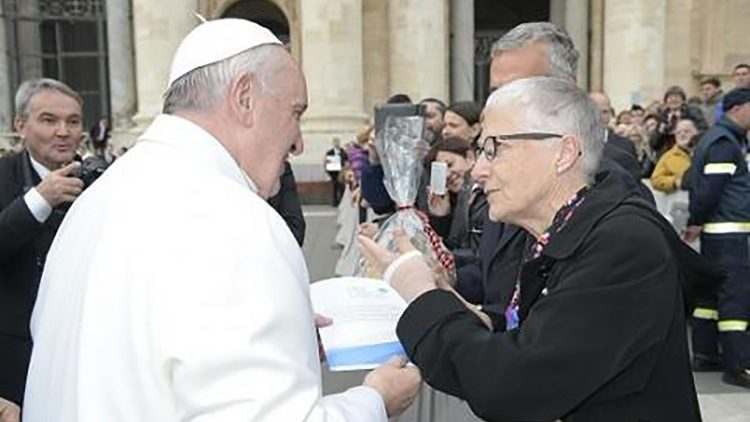 Pax Christi co-president Marie Dennis at an audience with Pope Francis