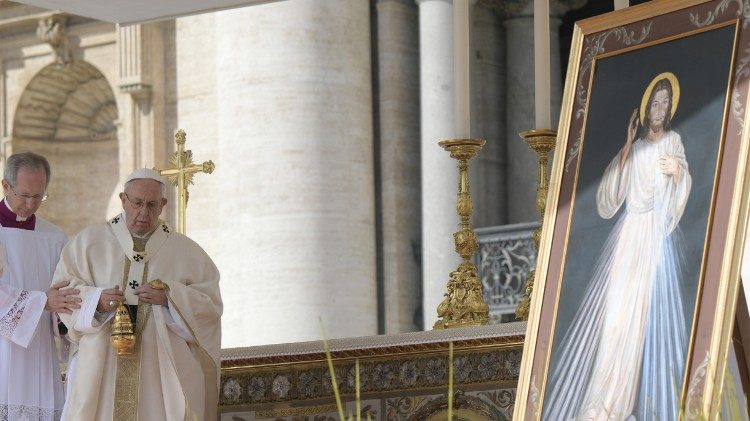 An image of the Divine Mercy at the Solemn Mass in St Peter's Square