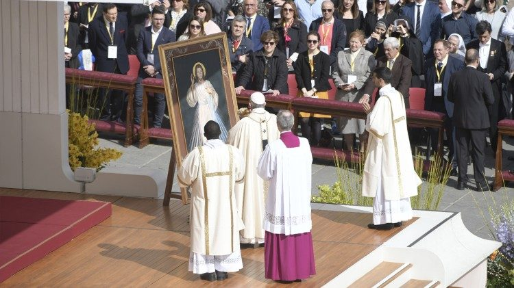 Pope Francis celebrates Mass on Divine Mercy Sunday