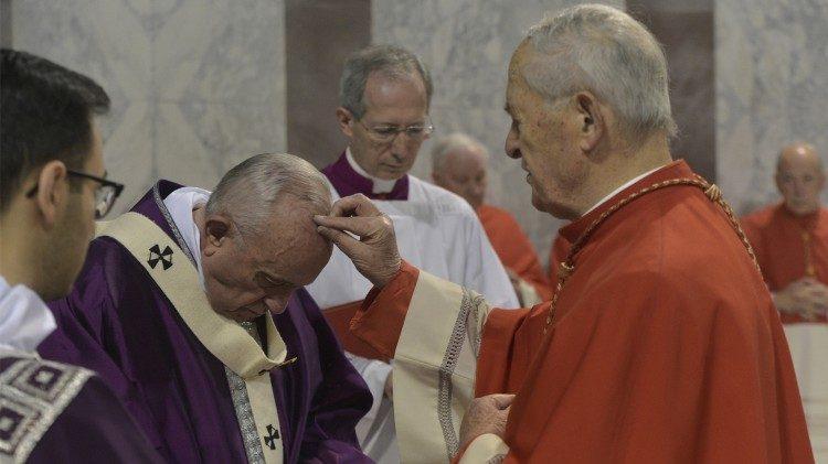 Risultato immagini per papa francesco ceneri