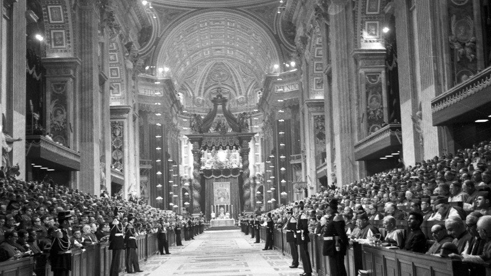 Concilio Vaticano II: giro de una Iglesia romanizada hacia una Iglesia  mundial - Vatican News