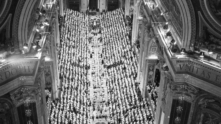 Concílio trouxe maior participação dos leigos na missão de evangelizar -  Vatican News