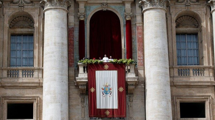 "Central Loggia of St Peter's Basilica where Pope Francis delivers the ""Urbi et Orbi"" message and blessing"