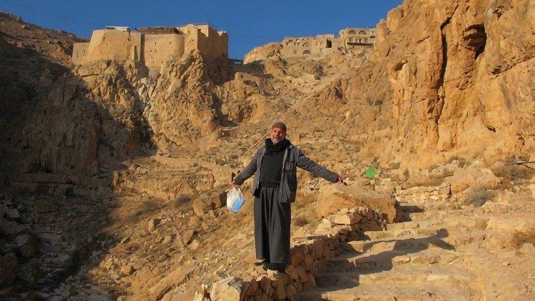 Le père Paolo Dall'Oglio, jésuite disparu en Syrie en juillet 20213.