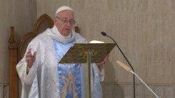 Papa Francesco celebra la messa a Santa Marta 2018.05.21