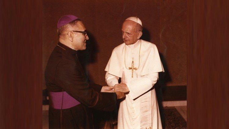 Mons Oscar Arnulfo Romero con Paolo VI