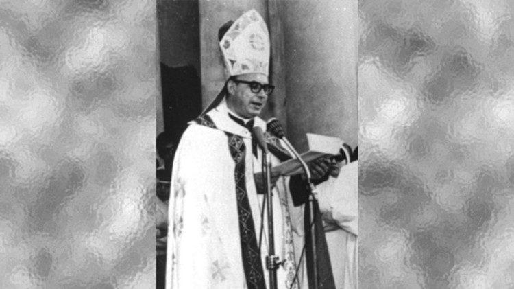 Mons. Enrique Angelelli, Obispo argentino asesinado el 4 agosto de 1976