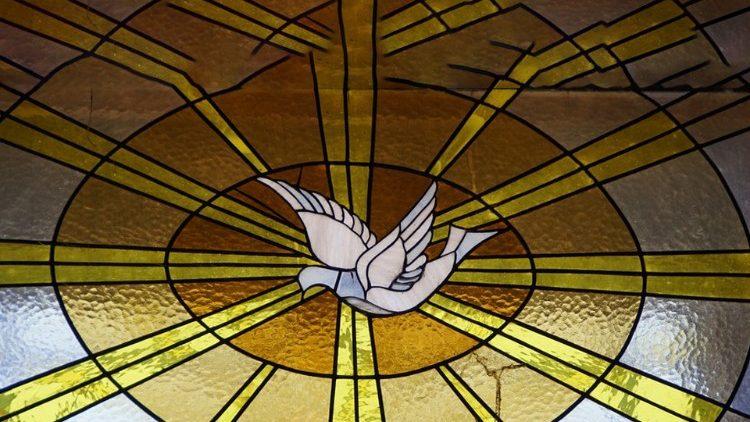 """""""Jesus sopra o Espírito sobre seus seguidores, gerando uma nova criação"""""""