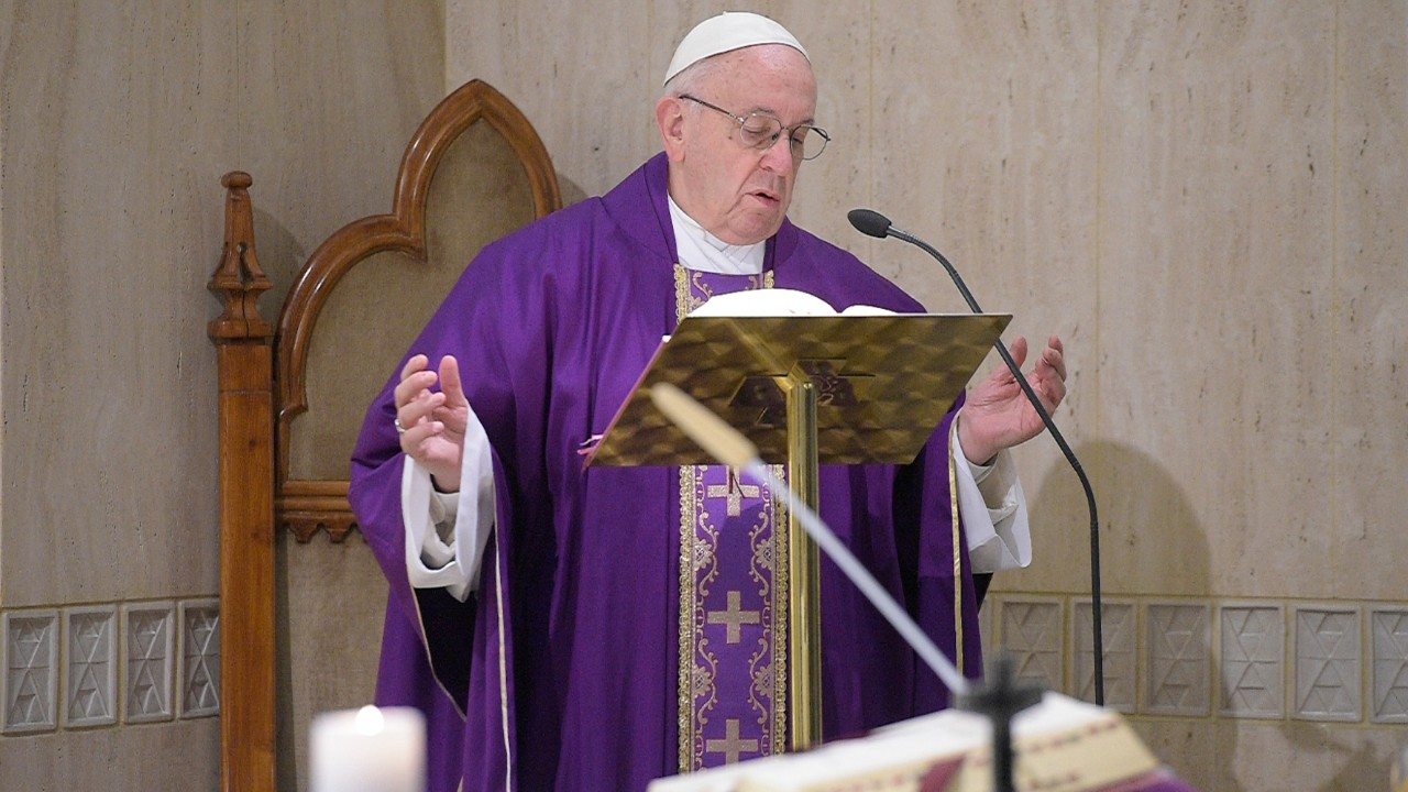 Pope Francis warns against 'fake fasting' during Lent