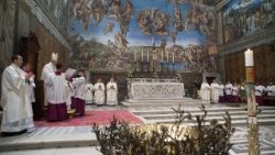 "Pope's Mass with Baptisms in Sistine Chapel: ""Transmit the Faith with language of the Family"""