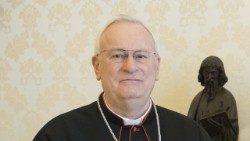 Covid: El cardenal Bassetti transferido a la unidad de cuidados intensivos