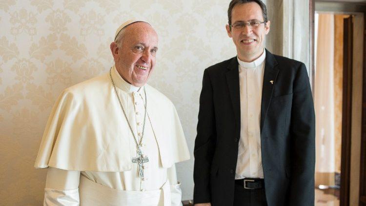 papa francisco fréderic fornos oración