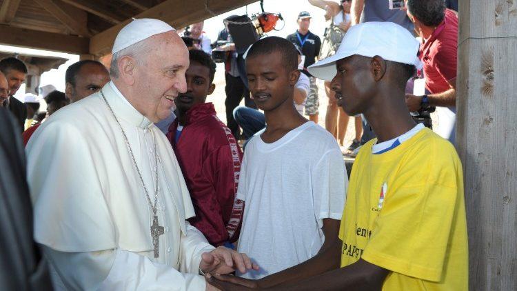 El Papa Francisco en Lampedusa. Foto: Vatican Media.