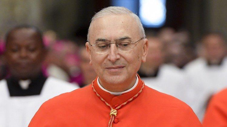 Cardinale Zenari Mario e arcivescovo cattolico italiano nunzio apostolico in Siria