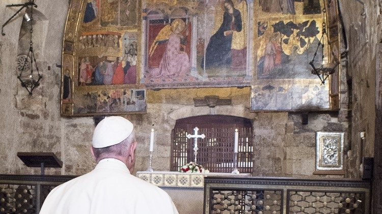 Pope Francis prays in the Portiuncula in Assisi on 4 August 2016